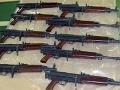 Zbrane zo Slovenska pašovali do Veľkej Británie.