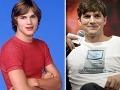 Michael Kelso - Ashto Kutcher (38) odštartoval svoju kariéru ako model. Vďaka šarmu bol, vlastne aj dodnes je, skvelou voľbou pre viacero romantických komédií (Hlavne nezáväzne, Takmer ako láska), fanúšikovia si ho spájajú aj v filmom Osudový dotyk, či sitkomom Dva a pol chlapa. Od roku 2005 do roku 2012 bol manželom o dosť staršej Demi Moore. Ako sa zdá, jeho osudovou ženou je Mila Kunis, s ktorou tvoril pár aj v Tých rokoch sedemdesiatych.
