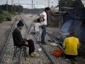 Migranti sa chceli z gréckeho ostrova dostať falošnými pasmi: Klepla im po prstom polícia