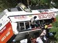 Autobus na Sumatre sa zrútil do rokliny: Nešťastná nehoda má už 35 obetí