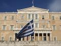 Gréci sa snažia vyhrabať z krachu, parlament schválil nový balík daňových a úsporných opatrení