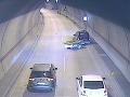 Polícia žiada o pomoc pri pátraní po svedkoch dopravnej nehody v tuneli Sitina.