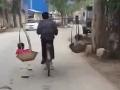 VIDEO, pri ktorom umierajú mozgové bunky: Cyklista zrealizoval svoj bláznivý nápad
