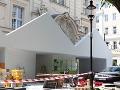 FOTO Historická perla Bratislavy sa mení na opachu mesta: Európu privítame gýčom ako z Hollywoodu