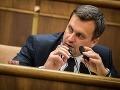Danko chce zaviesť revolúciu v parlamente: Poslancom chce v pléne zakázať mobily a jedlo!