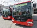 Dráma v MHD v Tepliciach: Zrážka trolejbusu s autobusom, 15 ľudí sa zranilo