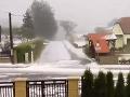 Počasie sa totálne pomiatlo: VIDEO V Rakúsku sa včera deti mohli sánkovať!