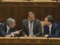 Bugár zamieša kartami vo vláde: Ukázal nového ministra a postavil sa Kažimírovi!
