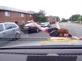 Smrť v očiach vodiča: Chlapec mu vbehne do cesty, VIDEO zrážky a okamžitej reakcie!