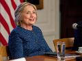 Osobná lekárka Clintonovej vyvrátila fámy: Je zdravá a schopná byť prezidentkou