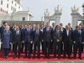 Exkluzívne FOTO z príchodu najmocnejších ľudí Európy: Väčšina s úsmevom, Orbán odutý!