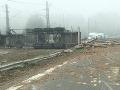 PRÁVE TERAZ Desivá nehoda pri Dechtároch: Náklad z kamióna rozmetaný po diaľnici, totálny kolaps!