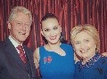 Holá Katy Perry aj 58-ročná Madonna: Celebrity naháňajú hlasy pre Hillary Clinton!