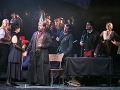 Zľava Janette Zsigová ako Mimi, Jozef Gráf ako Rodolfo, Marek Pobuda ako Schaunard a Michal Onufer ako Colline v novom naštudovaní opery Giacoma Pucciniho v Štátnom divadle Košice