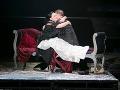 Zľava Marián Lukáč ako Marcello, Michaela Várady ako Musetta a József Havasi ako Benoit v novom naštudovaní opery Giacoma Pucciniho v Štátnom divadle Košice