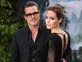 Do kategórie nezvyčajných darov možno smelo zahrnúť aj 200-ročný olivovník, ktorý v roku 2010 darovala Angelina Jolie svojmu vtedajšiemu manželovi Bradovi Pittovi. Herečka zaň dala zhruba 20 tisíc dolárov a darovala mu ho preto, lebo symbolizuje pokoj a dlhovekosť.