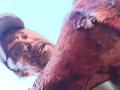 Poľovník prežil ako zázrakom útok medveďa: VIDEO Detaily boja o život, zaručené rady sú nanič
