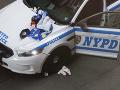 Prestrelka v New Yorku: Policajti skončili postrelení v nemocnici, zločinec neprežil