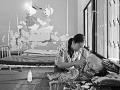 Sreymom, Kambodža, 15.9. 2016: Stabilizácia pacienta v ťažkom stave podvýživy trvá v prvej fáze okolo 7 dní. Sreymom užívala 10 dní terapeutické vysoko výživné mlieko, lekári ju sledovali deň aj noc. (c) Martin Bandžák/ MAGNA