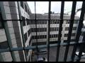 Šialená vzbura väzňov v Karolíne: Pokus o útek, smrť dvoch zamestnancov a požiar