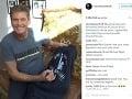 David Hasselhoff s fanúšikmi intenzívne komunikuje.