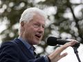 FBI zverejnilo 17-ročné dokumenty o Clintonovej minulosti: Týždeň pred voľbami