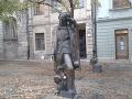 Mrazivé tajomstvo sochy slávneho
