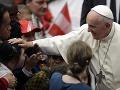 Pápež sa obrátil k bezdomovcom: Prosím vás o odpustenie