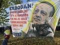 Rozsiahla demonštrácia proti Erdoganovi: Hlásia zrážky s políciou, tisíce ľudí dáva najavo svoj názor