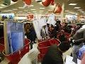 Zamestnanci supermarketov prehovorili o najhorších zážitkoch počas Vianoc