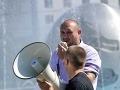 Súd oslobodil Magáta v prípade šírenia nacistických symbolov: Extrémista nevidí dôvod prestať