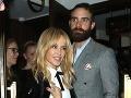 Pohľad na Kylie Minogue (48) vyráža dych: Pozrite, toto s ňou robí mladý milenec!