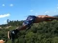 VIDEO Zoskok smrti pred očami malého synčeka: Otec si chcel len užiť adrenalín