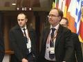 Rogers opúšťa službu štátu: Náhly odchod diplomata Britániu zaskočil