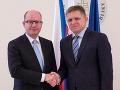Nový rok rozbalili vo veľkom: Porovnali sme sľuby slovenskej a českej vlády