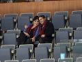 Dáda Patrasová s milencom Vitom  sa na hokeji k sebe neustále túlili.