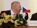 Český minister vnútra si buchol po stole: Viac migrantov už neprijmeme