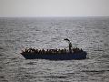 Prílev utečencov pokračuje: V Stredozemnom mori zachránili dnes ďalších asi 2300 ľudí