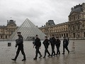 VIDEO Veľké protesty v Paríži: Pre demonštrácie dokonca zatvorili múzeum Louvre