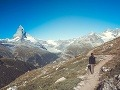 Pod masívne zosuvy pôdy vo švajčiarskych Alpách sa podpísali aj klimatické zmeny