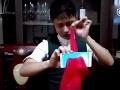 Čašník predvádza úžasný kúzelnícky trik: VIDEO veľkého odhalenia, prezradil svoje tajomstvo