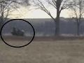 VIDEO Policajná naháňačka ako z filmu: Motorkára (33) zastavila priekopa a namierená zbraň