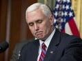 Pence sa dištancoval od anonymného článku o Trumpovi: Je ochotný ísť na detektor lži