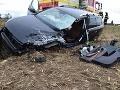 Fatálna zrážka pri Leviciach: Osobné auto vletelo pod kamión, vodič (†46) zraneniam podľahol