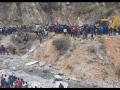 Tragická nehoda: Preplnený autobus sa zrútil do rieky, zahynulo najmenej 26 ľudí