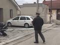 Spory vyústili v Česku do brutálnej popravy: Sused zavraždil matku a syna, potom strelil seba