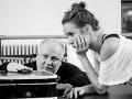 Režisér a choreograf Ondrej Šoth a Táňa Pauhofová na skúške novej inscenácie Denník Anny Frankovej