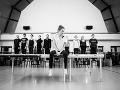 Táňa Pauhofová a členovia baletu Štátneho divadla Košice na skúške novej inscenácie Denník Anny Frankovej