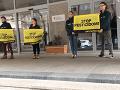 VIDEO Aktivisti upozornili na veľký problém Slovenska: Polia už roky zamorujeme jedmi