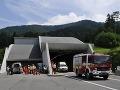 Nehoda troch automobilov v tuneli Branisko: Zasahovať museli hasiči